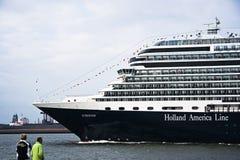 kommande cruiseshipeurodam rotterdam som ska besöks Fotografering för Bildbyråer