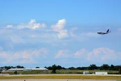 Kommande in för en landning royaltyfri foto