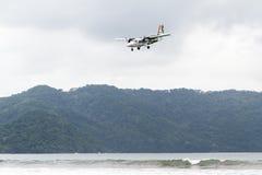kommande landning Arkivbilder