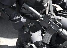 Kommando mit Maschinengewehr. lizenzfreies stockfoto