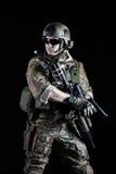 Kommandosoldat för Förenta staternaarmé med pistolen Royaltyfri Fotografi