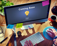 Kommen bald öffnendes Förderungs-Mitteilungs-Konzept stockfotografie