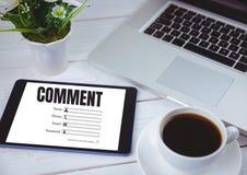 Kommentartext und -graphik auf Tablettenschirm Lizenzfreie Stockbilder