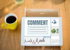 Kommentartext und -graphik auf Tablettenschirm Stockbild