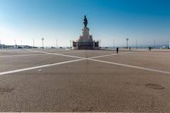 Kommersfyrkant comercioen gör för den konunglisbon portugal för I jose statyn pracaen Arkivfoton