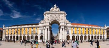 Kommersfyrkant, Rua Augusta Arch lisbon portugal arkivbilder