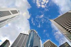 Kommersiell byggnad i området för central affär av Singapore Royaltyfria Bilder