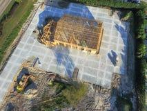 Kommersiell byggnadskonstruktion för flyg- trähus arkivbild