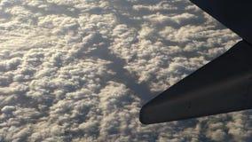 Kommersiell trafikflygplan i flyg stock video