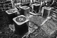 Kommersiella enheter för HVAC-luftkonditioneringsapparatkondensatorer Royaltyfria Bilder