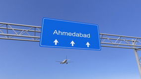 Kommersiellt flygplan som ankommer till den Ahmedabad flygplatsen Resa till Indien den begreppsmässiga tolkningen 3D Royaltyfri Bild