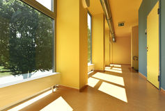 Kommunal skola som är inre Royaltyfria Bilder