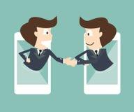 Kommunikation av affärsmannen på den mobila smartphonen Fotografering för Bildbyråer