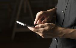 Kommunikation, die sich telefonisch trifft Lizenzfreie Stockfotos