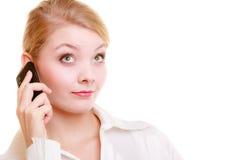 Kommunikation samtal för affärskvinnacelltelefon Royaltyfri Foto