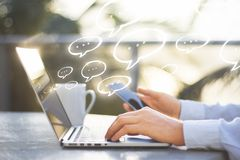 Kommunikation, Technologie und E-Mail-Konzept Lizenzfreies Stockfoto