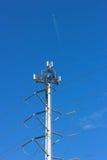 Kommunikation und Stromleitungen Stockfotos