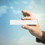 Kommunikations-Konzept, Hand und Visitenkarte Lizenzfreies Stockfoto