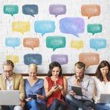 Kommunikations-Unterhaltungsikonen-Sprache-Blasen-Konzept Lizenzfreies Stockfoto