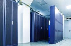 Kommunikationskabinette Telekommunikationsgeräte im Serverraum, Rechenzentrum Stockfoto
