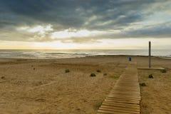 Kommunikationsrechner zum Strand Stockfoto