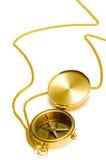 Kompaß der alten Art Goldmit Kette Stockbild