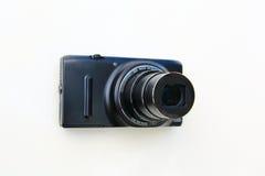 Kompakt isolerade digital kamera och lins Royaltyfria Bilder