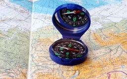 Kompas & kaart Royalty-vrije Stock Afbeeldingen
