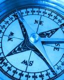 Kompas in blauw Royalty-vrije Stock Afbeeldingen