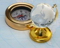 Kompas en bol Royalty-vrije Stock Afbeelding