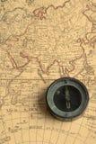Kompas en kaart 01 Royalty-vrije Stock Afbeeldingen