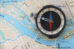 Kompas en kaart Stock Afbeeldingen