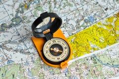Kompas en kaart. Royalty-vrije Stock Afbeeldingen