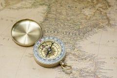 Kompas en Kaart Royalty-vrije Stock Foto's