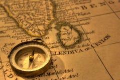Kompas en Oude Kaart India Stock Afbeeldingen