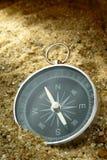 Kompas en schaduw Stock Afbeeldingen