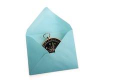 Kompas in envelop Royalty-vrije Stock Foto's