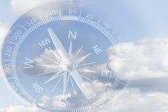 Kompas in hemel Royalty-vrije Stock Fotografie