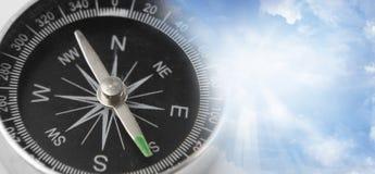 Kompas in hemel Royalty-vrije Stock Foto's
