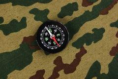 Kompas na kamuflażu zdjęcia royalty free