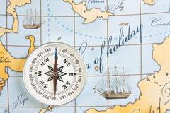 Kompas na mapie fotografia stock