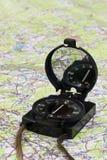 Kompas op de kaart Stock Fotografie