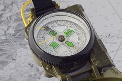 Kompas op document navigatie Royalty-vrije Stock Foto's