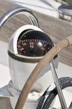 Kompas op een boot Royalty-vrije Stock Afbeeldingen
