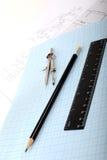 Kompas op een millimeterpapier Royalty-vrije Stock Fotografie