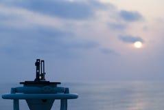 Kompas op een schip royalty-vrije stock afbeelding