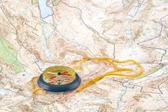 Kompas op kaart royalty-vrije stock foto's