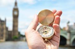 Kompas w ręce Obraz Stock