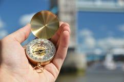 Kompas w ręce Zdjęcia Stock