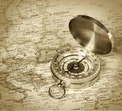 Kompass auf Karte von Europa Stockbilder